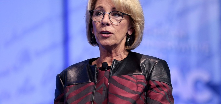 College groups continue pressing DeVos to delay Title IX rule